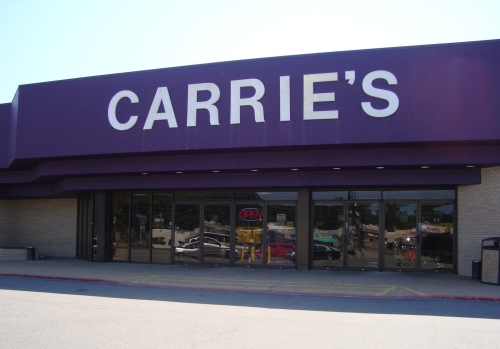 Located in southwest Little Rock, Carrie's is one of my favorite thrift stores.