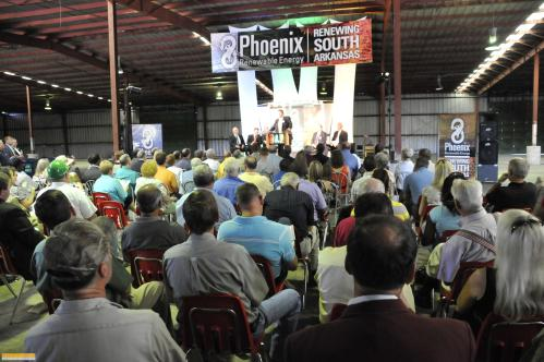 Over four hundred people attended the event, including U.S. Senator Mark Pryor, Congressman Mike Ross, Ecological Conservation Organization, Audubon Arkansas, Repower America, and Sierra Club.