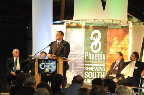 Senator Pryor addressed the audience.